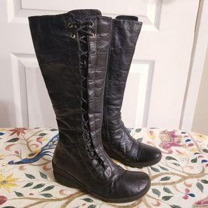 ⬇️Price Reduced⬇️Miz Mooz Lace-Up  Leather Boots